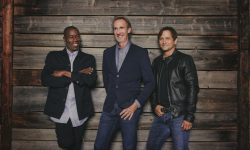 Mike + The Mechanics (GB) – Let Me Fly
