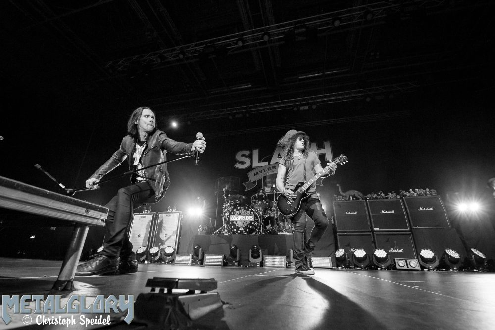 "Slash featuring Myles Kennedy and The Conspirators ""Living The Dream Tour 2019"", Support Altitudes & Attitudes, 03.03.2019, Sporthalle Hamburg"
