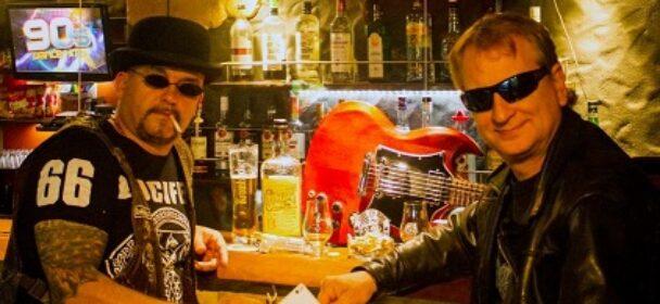 """News: Titel ist Programm! Mit """"Auf die Fresse Rock'n'Roll"""" veröffentlichen Angeekelt ihr Debüt Album am 11.11."""